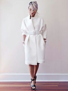 Sweatshirt outfit women jackets 43 Ideas for 2019 Neoprene Fashion, Jackets For Women, Clothes For Women, Women's Clothes, Sweatshirt Outfit, Coat Dress, White Fashion, Fashion Outfits, Fashion Trends