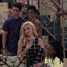 Cameron Boys, Emma Ross, Pink Bedroom Design, Peyton List, Disney Channel, Jessie, Tv Shows, Icons, Stars