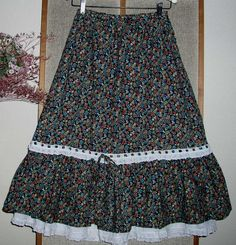 Gypsy skirts - these were really pretty and very comfortable, cool in summer or layered up with boots in winter. In the days when it was possible to buy feminine clothes in high street shops. Seventies Fashion, 70s Fashion, Fashion History, Vintage Fashion, Renaissance Skirt, Nostalgia, My Childhood Memories, 90s Childhood, Gypsy Skirt
