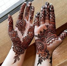 51 hands for beautiful Mylanchi designs - Mehndi designs - Henna Designs Hand Khafif Mehndi Design, Henna Art Designs, Mehndi Designs For Beginners, Modern Mehndi Designs, Mehndi Design Pictures, Mehndi Designs For Girls, Wedding Mehndi Designs, Dulhan Mehndi Designs, Beautiful Henna Designs