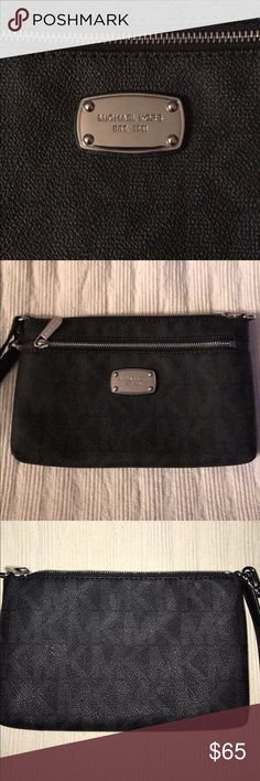 """AUTHENTIC MICHAEL KORS WRISTLET NWOT! Brand new. Never used beautiful all black over-sized wristlet! Measures 8.5"""" in length and 5.25"""" in height! Looks great!! Can meet depending on location! Porch pick up preferred!🌟🌟 Michael Kors Bags Clutches & Wristlets"""
