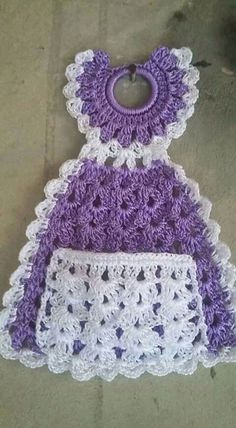 I am looking for this pattern. Please I am willing to purchase if anyone has this pattern. crochet kitchen dress up pot holder Crochet Towel Holders, Crochet Towel Topper, Thread Crochet, Crochet Crafts, Crochet Projects, Crochet Bookmark Pattern, Crochet Bookmarks, Crochet Dishcloths, Crochet Doilies