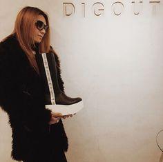 "Die, Dir en grey  ""Thanks for coming @ DIGOUT TOKYO SHOWROOM! #DIGOUT TOKYOショールームにDIR EN… instagram.com/p/BcXJDWNDpVz/ """