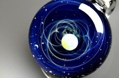 Ever wanted to know what it felt like to hold the cosmos on the end of a string? Japanese glass artist Satoshi Tomizu gives you the opportunity to Spirit Science, Palm Of Your Hand, Modern Glass, Glass Pendants, Handmade Art, Cosmos, Amazing Photography, Hold On, Universe