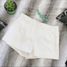Forever 21 Shorts Adorable white forever 21 shorts. In perfect condition, only worn once, these are a great deal! Forever 21 Shorts