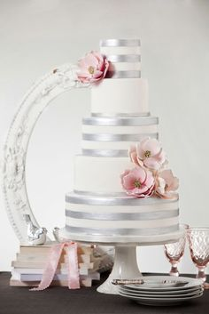 flowers + bands of silver. #wedding #cake