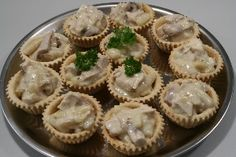 Chicken and asparagus tartlets Open Faced Sandwich, Danish Food, Party Dips, Always Hungry, Eat Smart, Google Translate, Denmark, Asparagus