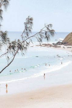 The ultimate Byron Bay travel guide & venue guide when visiting. Beach Aesthetic, Travel Aesthetic, Brisbane, Byron Bay Beach, Australia Travel, Perth Australia, Australia Hotels, Beach Trip, Beach Travel