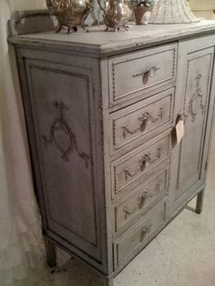 gorgeous shabby chic cabinet in gray
