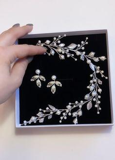Wedding accessories Accessories Jewellery, Wedding Hair Accessories, Bridal Dress Design, Wedding Hair Pieces, Bride Hairstyles, Bridal Headpieces, Wedding Sets, Bridal Earrings, Bridal Dresses