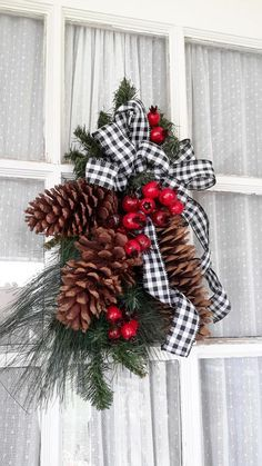 Christmas Decorations - Christmas swag, Black and white Check Christmas Swag, Pine Cones Swag Christmas Front Doors, Diy Christmas Tree, Outdoor Christmas, Country Christmas, Christmas Balls, Christmas Time, Christmas Ornaments, Pine Cone Christmas Decorations, Christmas Ribbon