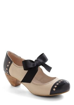Bow'n Places Heel in Smooth Beige - Mid, Leather, Cream, Black, Solid, Cutout, Vintage Inspired, 20s, 30s, Bows