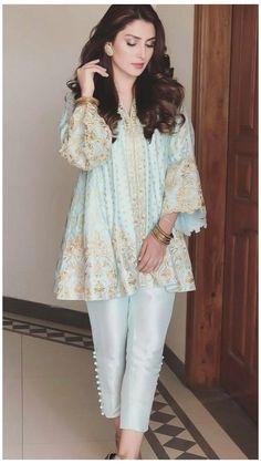 Pakistani Fashion Party Wear, Indian Fashion Dresses, Indian Designer Outfits, Pakistani Outfits, Indian Outfits, Designer Dresses, Pakistani Street Style, Stylish Dresses For Girls, Stylish Dress Designs
