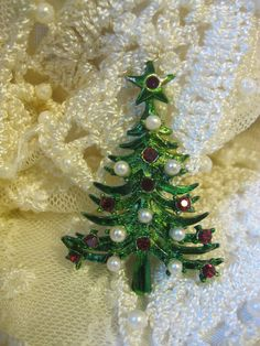 "Christmas Tree Pin ""Love""!"