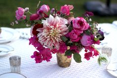 parker-palmsprings-wedding-flowers-pink