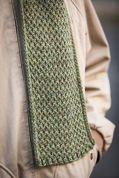 Ravelry: Handsome Fella pattern by Jenny Williams - Knitting Knitting Blogs, Loom Knitting, Knitting Stitches, Knitting Designs, Mens Scarf Knitting Pattern, Knitting Patterns, Crochet Patterns, Scarf Patterns, Crochet Scarves
