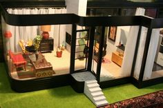 Collecting Miniatures: Dollhouses