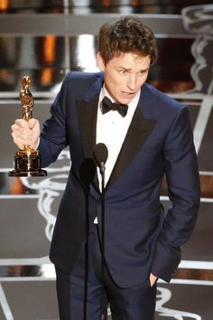 """Eddie Redmayne, who portrayed Stephen Hawking in """"The Theory of Everything,"""" beat out Michael Keaton of """"Birdman,"""" who was seen as the other favorite. (Photo: Patrick T. Fallon for The New York Times)"""
