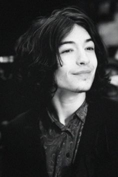 Can we all just take a moment to admire the beauty that is Ezra Miller?
