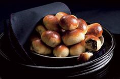 Řepánky | Apetitonline.cz Pretzel Bites, Bread, Fruit, Food, Brot, Essen, Baking, Meals, Breads