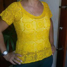 Blusa amarela.  Encomende já a sua pelo Direct.  Croche com amor.  Cor de sua preferência.  #croche #crochet #crochetlove #crocheting #art #crocheted #agulha #amarelo #blusa #yellow #look #diva #estilo #modaeestilo #blusacroche #dicadeestilo #luxury #crochetando #blusaamarela #instacrochet #comamor #crochetart #crochetinstagram #feitoamao #artesanato by crocheteirasdluxo