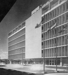 Edificio Asociación de Maestros, Hato Rey, San Juan, Puerto Rico (1961)  Diseñado por Pedro Luis Amado
