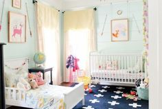 dormitorio-infantil-alfombra-cruces