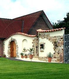 WALL WITH STONE - tattoo - wall garden designs diy ideas modern patio plans screen wall Rustic Outdoor Spaces, Outdoor Living, Spanish Revival Home, Prairie Style Houses, Garden Deco, Fence Garden, Diy Fence, Fence Ideas, Mediterranean Design