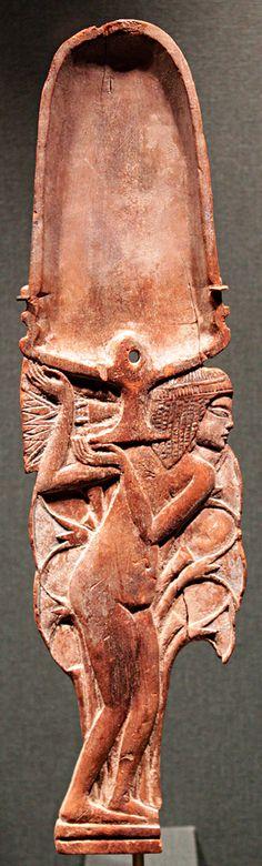 Egyptian cosmetic spoon