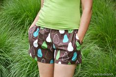 PDF sewing pattern: Evening Primrose Pajama Pants for women by Cucicucicoo Patterns - shorts version with pockets - www.cucicucicoo.com