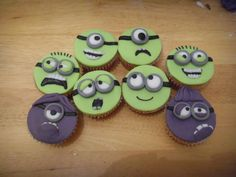 Despicable Me Minion cupcakes #recipe #decoration #dessert