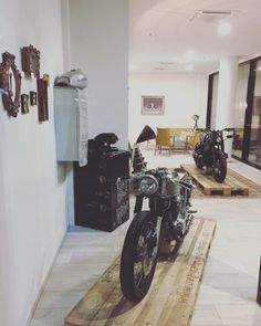 design home app Motorcycle Workshop, Motorcycle Shop, Motorcycle Garage, Motorcycle Style, Garage Shop, Garage House, Dream Garage, Carport Modern, Design Home App