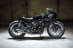 The Royal Racer - Kikishop Honda CB500 via returnofthecaferacers.com