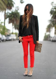 red jeans and leopard clutch @Clare Vivier #sincerelyjules #bloggerstyle #streetstyle