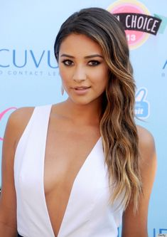 Best Makeup Looks - Shay Mitchell