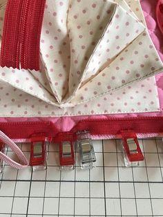 最強カード収納ポーチ、ジャバラポーチの作り方(図解入り) | hapimade手芸教室|ハンドメイド・手作りのお手伝い Pouch, Knitting, Sewing, Projects, Bags, Couture, Log Projects, Handbags, Haute Couture