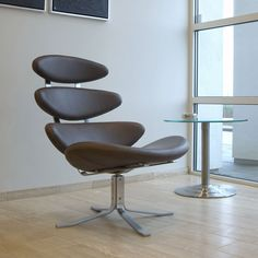 EJ Corona Leather Chair