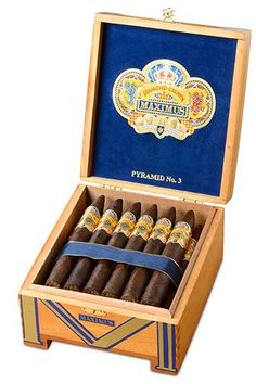 Diamond Crown Maximus Cigars ~ It took Carlito Fuente more than 3 years to develop the complex, fuller-bodied taste, but he succeeded with a secret… | Pinteres…
