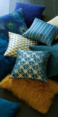 Duck blue and mustard cushions More Source by fgatelier Mustard Cushions, Deco Studio, Colour Schemes, Soft Furnishings, Decorative Pillows, Sweet Home, Room Decor, House Design, Throw Pillows