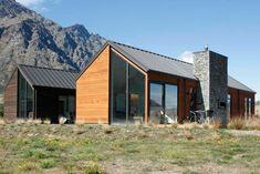 Tewa combination cladding of cedar and weatherboard...