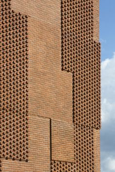 The most popular building block material in architecture doesn't have to be boring. If you're scouting for new office space, apartment, or thinking of building a… Brick In The Wall, Brick And Stone, Brick Design, Facade Design, Brick Architecture, Architecture Details, Brick Building, Building Design, Brick Images