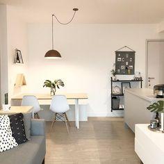 Home ✨ . #sala #saladeestar #saladejantar #livingroom #livingroomdecor #dinningroom #diningroomdecor #halldeentrada #entryway #eameschair #decoração #decor #brocosplace