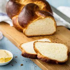 Butterzopf (Bärner Züpfe) - Rezept | Swissmilk Eclairs, Banana Bread, Nom Nom, Muffins, Food And Drink, Baking, Cake, Desserts, Cornflakes