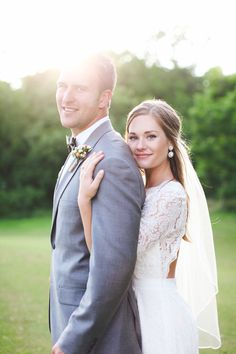 Bride and groom | Featured on Cottage Hill | Photography by Melissa Green http://bit.ly/1oR8cNe