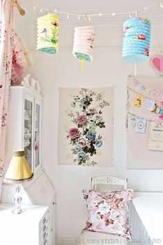 My Favourite Posts of 2016 Part One.  Vintage, shabby chic home.  Craft room, vintage Sanderson fabric.  Painted furniture.