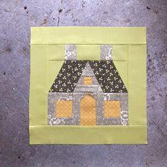 Spellbound Sew-along: week 1 House Quilt Patterns, House Quilt Block, House Quilts, Paper Piecing Patterns, Quilt Block Patterns, Quilt Blocks, Quilting Projects, Quilting Designs, Sewing Projects