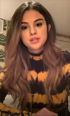 Bild in Selena Gomez 👸🏻 Sammlung von effy on We Heart It – Haar Flechten Selena Gomez Hair Color, Estilo Selena Gomez, Selena Gomez Style, Selena Gomez Long Hair, Selena Gomez Live, Marie Gomez, Hair Inspo, New Hair, Hair Beauty