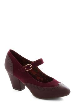 Bliss Is It Heel in Burgundy. If youre in search of shoe paradise, youve arrived in these Oxford-inspired heels by Bait Footwear! Your Shoes, New Shoes, Vintage Heels, Retro Vintage, Vintage Style, Shoe Boots, Shoes Heels, Dress Shoes, Burgundy Heels