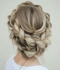 Hopefully do my hair like this ;)