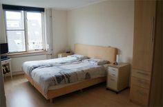 De grote slaapkamer van 15 m2.